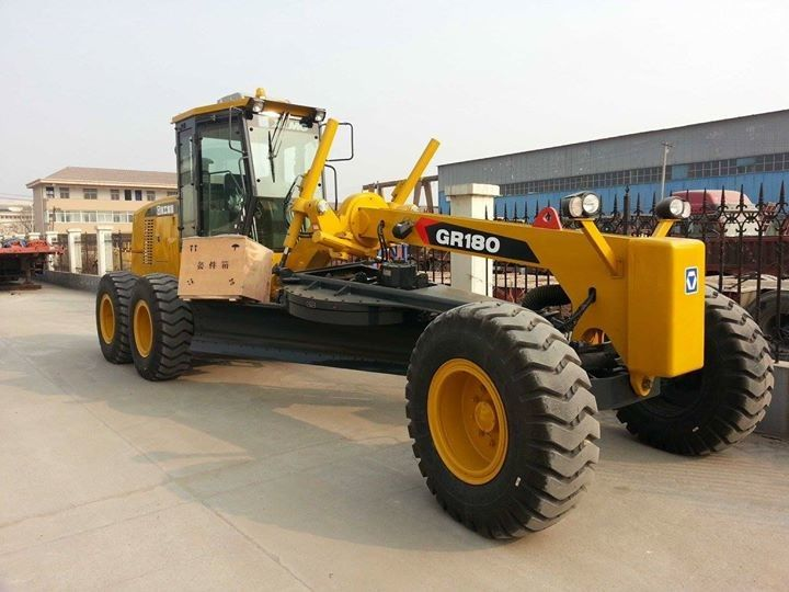 Durable XCMG Motor Grader GR180 Heavy Construction Machinery For Sand Stone