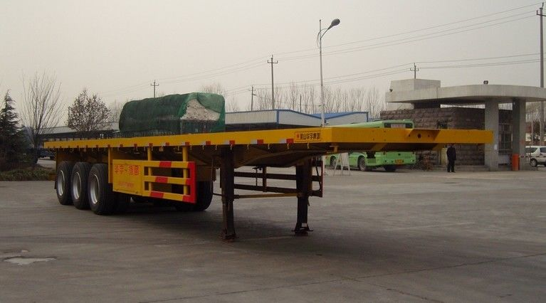 20FT / 40FT Container Trailer Truck , Container Transport Truck With 12 Pcs Container Lock