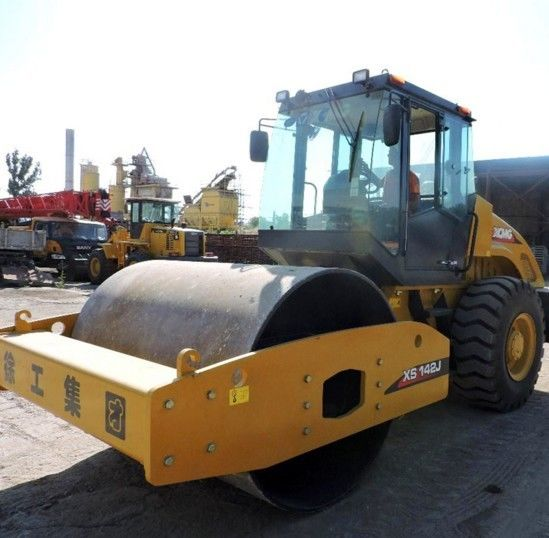 Reliable XCMG Road Roller XS143J , 14 Tons Single Drum Road Roller Yellow Color